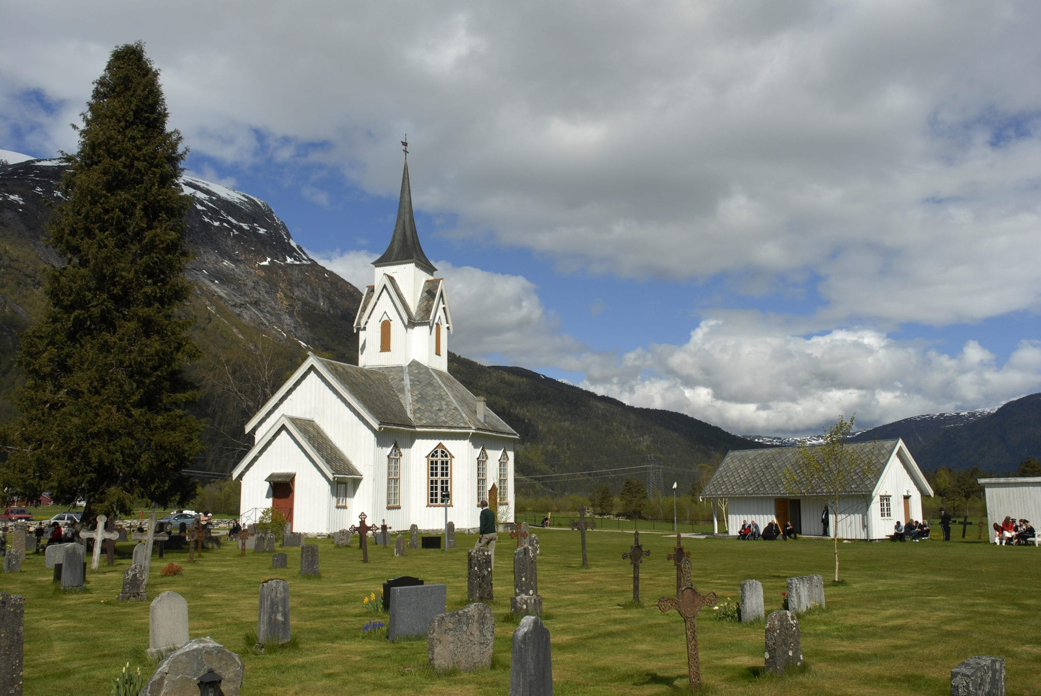 Kirkene i Nesset